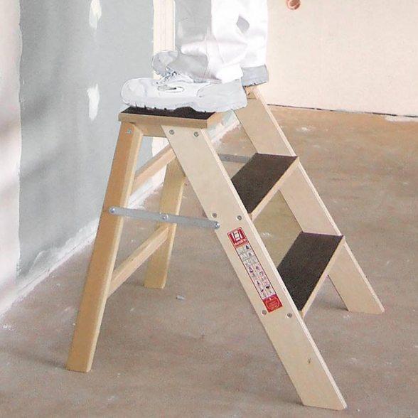 euroline stufenpodest aus holz einseitig begehbar. Black Bedroom Furniture Sets. Home Design Ideas