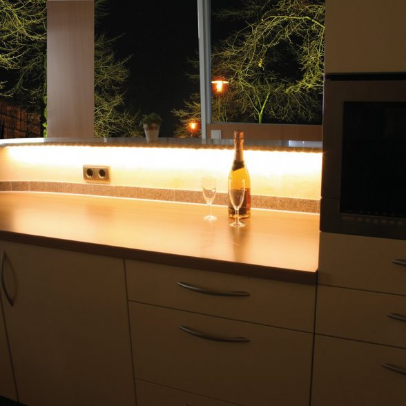heitronic led strip bestellen sie g nstig bei. Black Bedroom Furniture Sets. Home Design Ideas